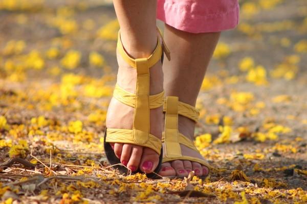 feet-538245_960_720